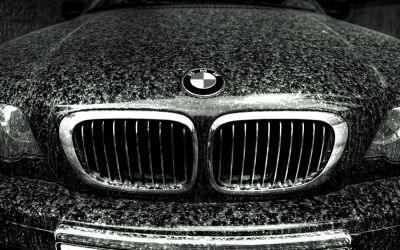 BMW in Dust