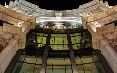 Forum Shops entrance