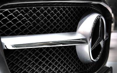 Mercedes SLS 4